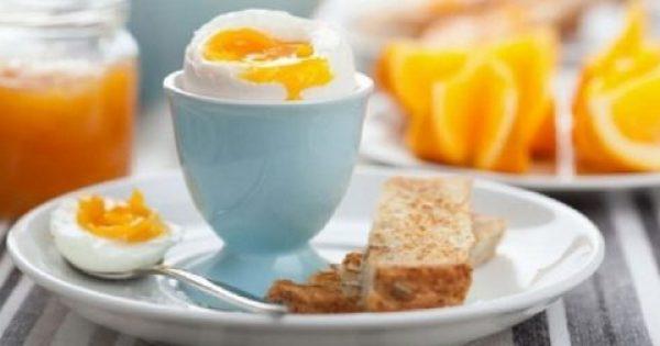 Πώς βοηθούν τον εγκέφαλο τα αυγά που τρώμε το πρωί; – Ένας λόγος για να τα εντάξεις στο πρωινό σου!