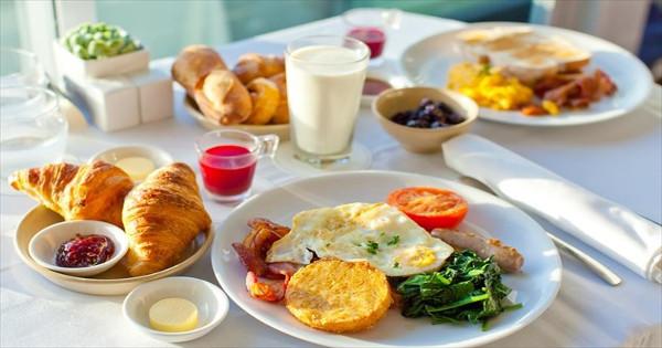 Το Κορίτσι που Έχασε 7 Κιλά Τρώγοντας το ίδιο Πρωινό κάθε μέρα Αποκαλύπτει το Μυστικό του!