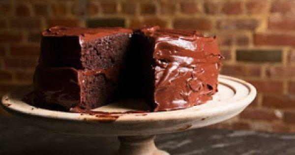 Το τέλειο κέικ με τρία υλικά και δύο κινήσεις