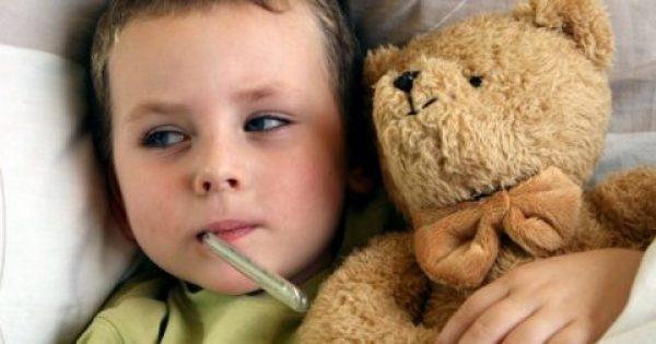 Μειώστε το πυρετό του παιδιού σας χωρίς φάρμακα μόλις σε 5 λεπτά