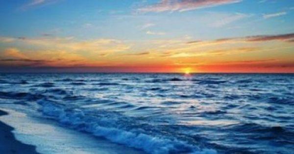 Απλά ένας περίπατος στην παραλία, μας επηρεάζει με τέσσερις διαφορετικούς τρόπους.