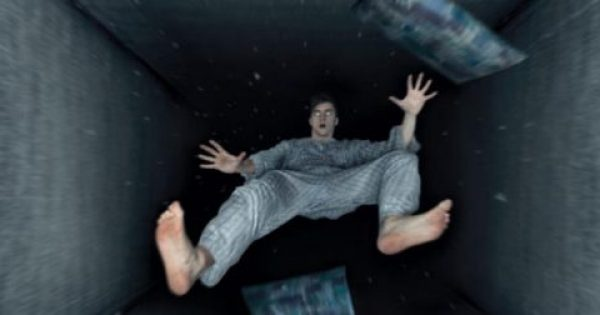"""Ύπνος – Όνειρα: Γιατί κάποιες φορές νιώθετε ότι """"πέφτετε από ψηλά"""""""
