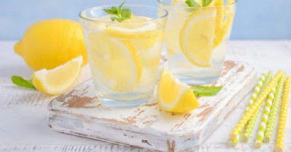Νερό με λεμόνι: 6 μύθοι που πρέπει να ξεδιαλύνετε