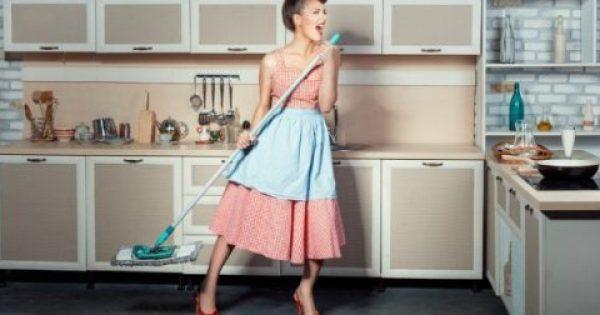 Μυρίζει το Σπίτι Άσχημα Μετά το Σφουγγάρισμα; Δοκιμάστε Αυτό!