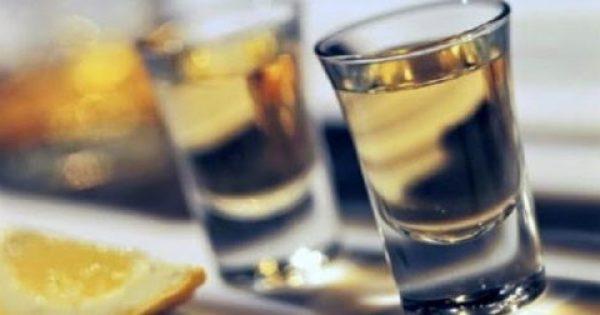 ΠΡΟΣΟΧΗ: Σταμάτα να πίνεις αυτό το ποτό πριν είναι αργά! Έχει απαγορευτεί σε Νορβηγία, Δανία, Γαλλία