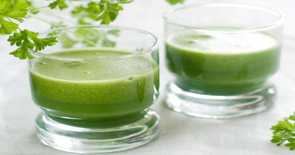 Σωθήκαμε: Πίνετε αυτό με άδειο στομάχι για μία εβδομάδα και θα χάσετε όλο το λίπος σας!