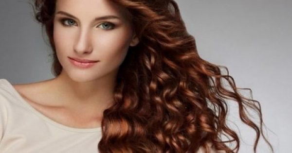 Πώς αλλάζει η υγεία των μαλλιών σου στα 20, 30 και 40 χρόνια