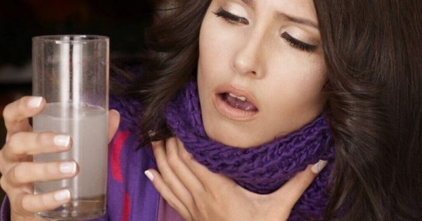 8 σημάδια του καρκίνου του λαιμού που δεν πρέπει να αγνοήσετε