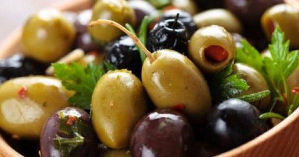 Μαύρες ή πράσινες ελιές: Ποιες είναι οι πιο υγιεινές;