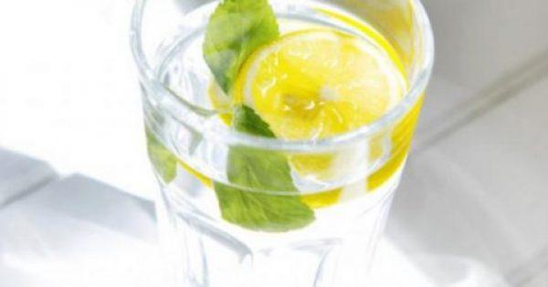 Δείτε τι κερδίζετε αν ξεκινάτε την ημέρα σας πίνοντας νερό με λεμόνι!