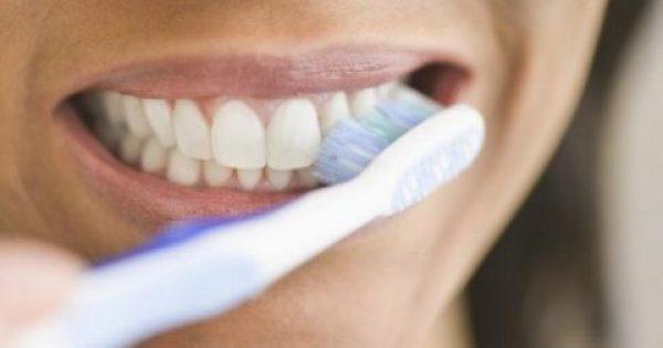 Μυστικά για το σωστό βούρτσισμα δοντιών