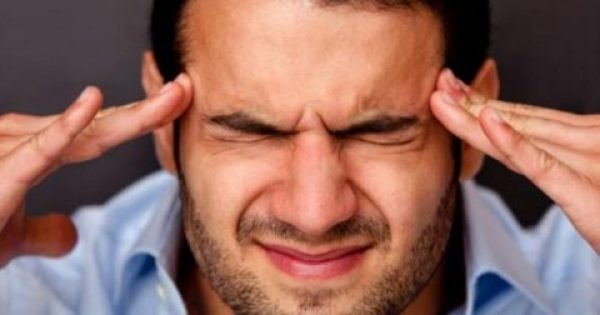 To κόλπο για να απαλλαγείς από τον πονοκέφαλο σε μόλις 10 λεπτά χωρίς φάρμακα