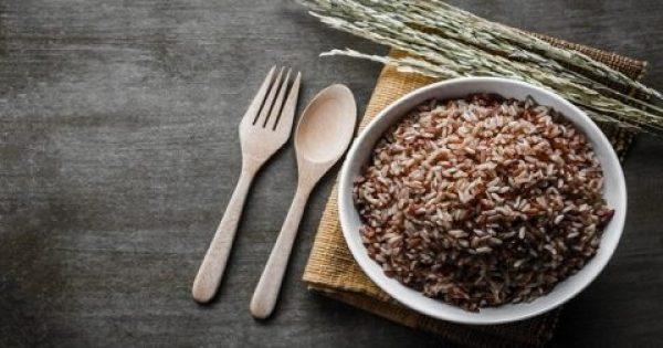 Τι είναι η διατροφή «Waterfall Diet» που μειώνει την κατακράτηση υγρών