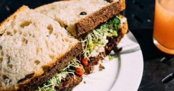 Πώς πρέπει να τρως το ψωμί αν δεν θέλεις να παχύνεις -Ειδικοί εξηγούν.
