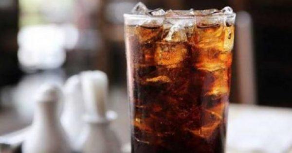 Τι συμβαίνει στον οργανισμό κάθε φορά που πίνετε ένα αναψυκτικό;