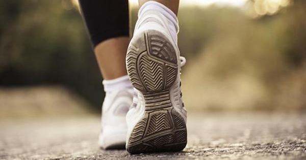 Μισή ώρα περπάτημα μειώνει την πιθανότητα εγκεφαλικού