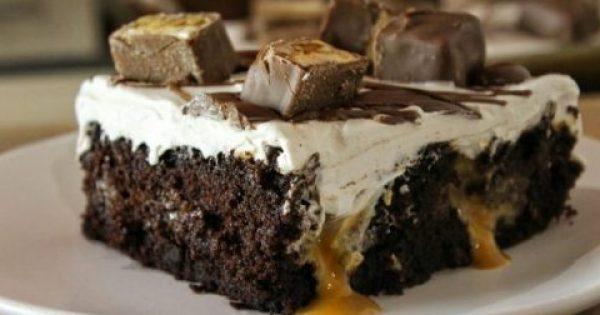 Το τέλειο σοκολατένιο κέικ με ζαχαρούχο και Snickers (Video)