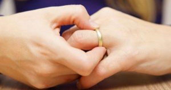 Πρησμένα δάχτυλα χεριών: 10 πιθανές αιτίες και πότε να ανησυχήσετε!!!