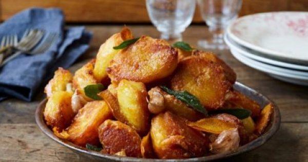 Αγαπημένες λαχταριστές πατάτες για το γιορτινό τραπέζι