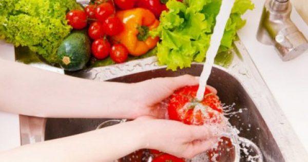 Προσοχή: Έτσι θα πρέπει να πλένουμε φρούτα και λαχανικά
