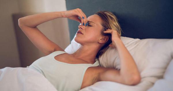 Πονοκέφαλος όταν ξυπνάτε: Οι πιθανές αιτίες!!!