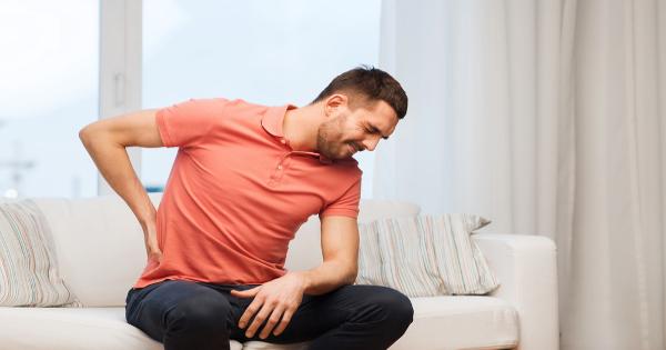 Πρέπει να τις εντάξεις στην διατροφή σου: 8 τροφές που μειώνουν τους πόνους στη μέση