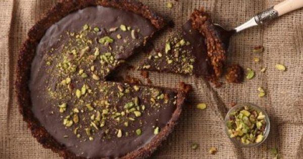 Τάρτα σοκολάτας με ξηρούς καρπούς
