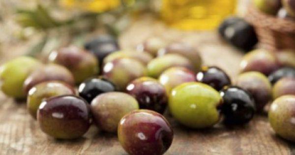 13 πολύ καλοί λόγοι για να βάλουμε τις ελιές στη καθημερινή μας διατροφή