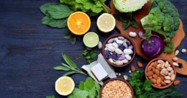 Έξι βασικές βιταμίνες που πρέπει να παίρνετε από τη διατροφή σας