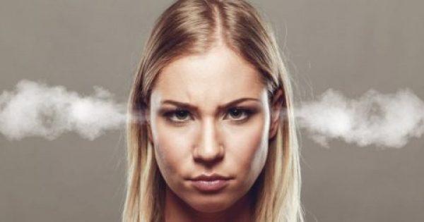 Βουίζουν τα αυτιά σας; Τι είναι οι εμβοές και ποιοι παράγοντες επιδεινώνουν το βουητό