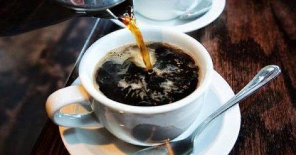 Τι ώρα πρέπει να πίνετε τον καφέ σας σύμφωνα με την επιστήμη