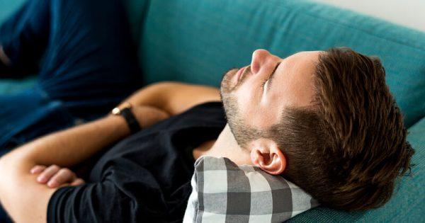 Μεσημεριανός ύπνος: Τα οφέλη για την αρτηριακή πίεση!!!