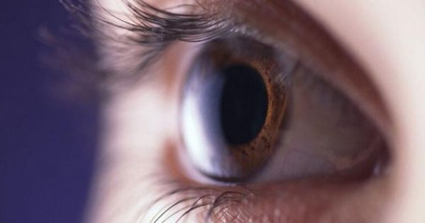 Κριθαράκι στο μάτι: Τα πέντε βήματα στο σπίτι που θα σας σώσουν