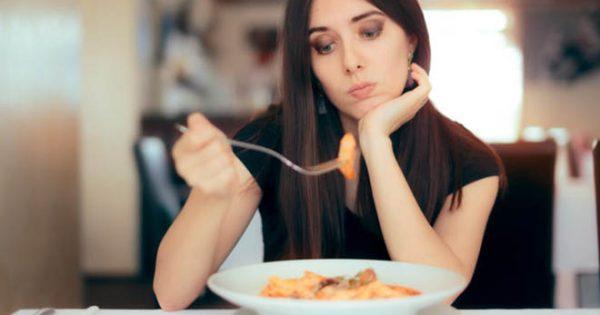 Η μειωμένη όρεξη ΔΕΝ είναι «καλό» επειδή χάνουμε κιλά: Ποιες οι πιθανές σοβαρές αιτίες!