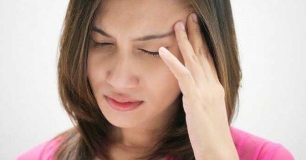 Χρόνιοι πονοκέφαλοι: Μήπως σας λείπει κάποια πολύτιμη βιταμίνη;