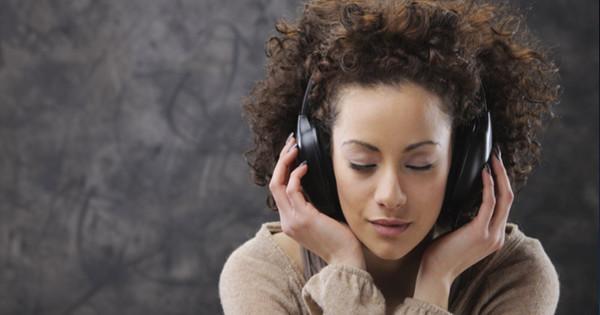 Επιστήμονες: Αν η μουσική σας ανατριχιάζει τότε ο εγκέφαλός σας είναι εξαιρετικός!!!