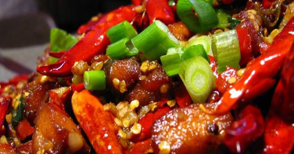 Ποιες τροφές προκαλούν καούρες