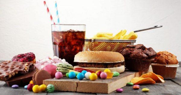 Αυτά τα τρόφιμα αυξάνουν τον κίνδυνο για έμφραγμα και εγκεφαλικό επεισόδιο