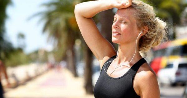Τρέξιμο: Πώς θα προπονηθείτε στη ζέστη του καλοκαιριού