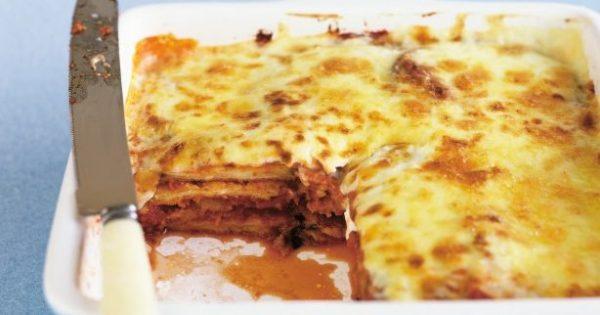 Μελιτζάνες με μπεσαμέλ τυριού στο φούρνο